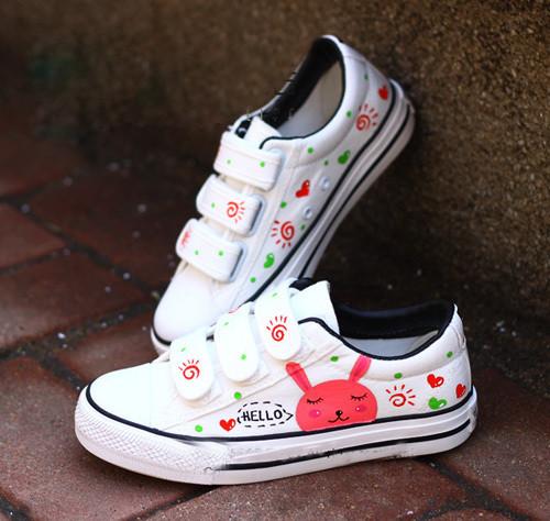 可爱个性的手绘图案 温馨浪漫的亲子鞋!